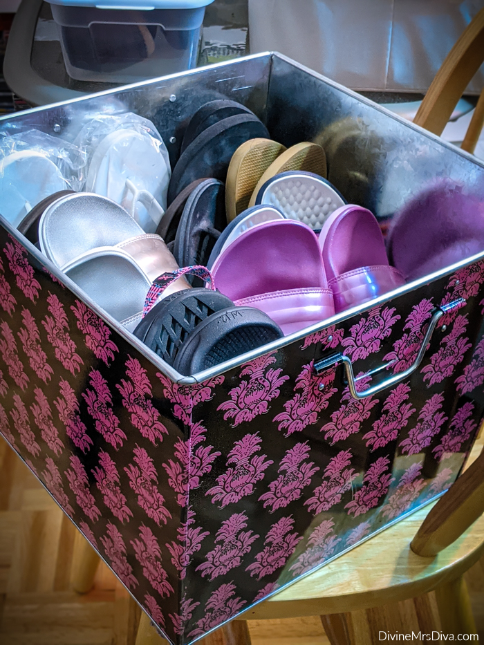 KATU Afternoon Live: Transition Your Closet From Summer To Fall - DivineMrsDiva.com #plussizeclothing #organization #closet #storage