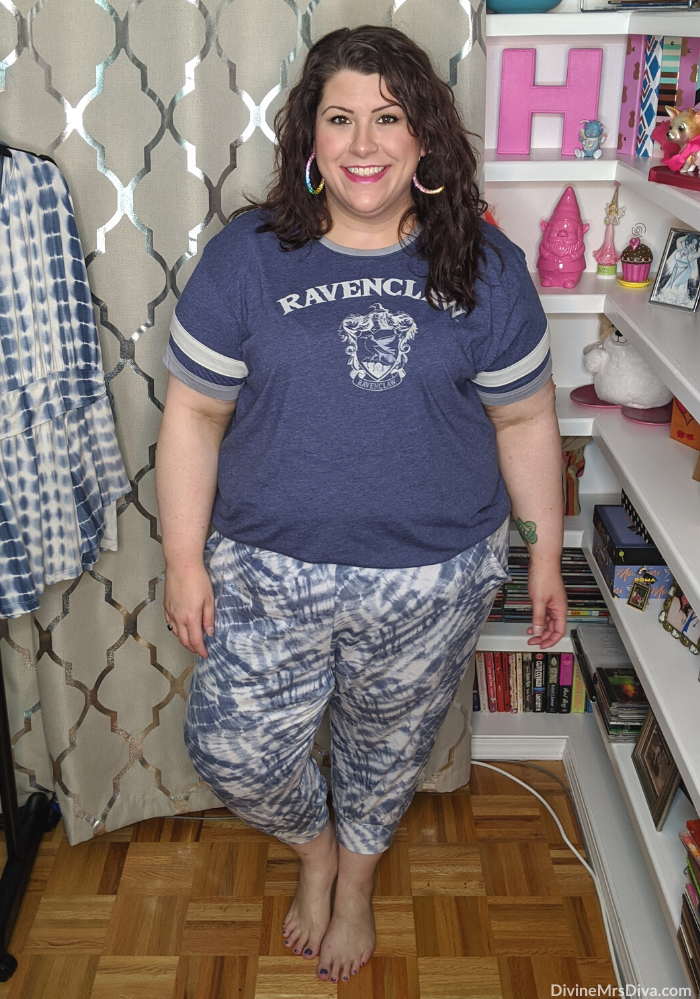 In today's KATU Afternoon Live Companion post, Hailey shares her tips for styling tie-dye pieces and offers outfit inspiration for tie-dye looks! - DivineMrsDiva.com #AfternoonLive #KATUAfternoonLive #tiedye #patternmixing #portland #psblogger #plussizeblogger #styleblogger #plussizefashion #plussize #psootd #ootd #plussizeclothing #outfit #style #plussizecasual #springstyle #summerstyle