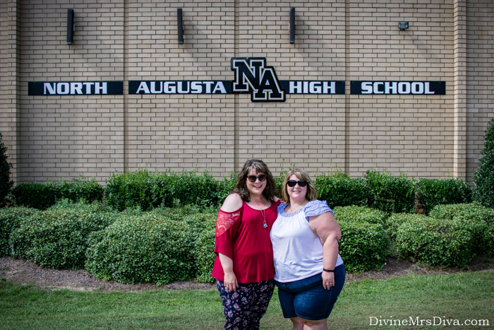 In today's post, Hailey shares the picture day fun from her high school reunion festivities!! – DivineMrsDiva.com #travel #vacation #plussizetravel #augusta #northaugusta #psblogger #plussizeblogger #styleblogger #plussize