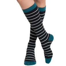 Gift Guide 2018 - VIM & VIGR Graduated Wide Calf Compression Socks - DivineMrsDiva.com