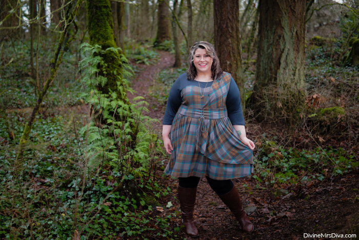 Her Universe Outlander Collection: Mackenzie Tartan Cinch Dress - DivineMrsDiva.com #HerUniverse #Outlander #OutlanderFashion #plussizefashion #psootd #ootd #plussizeclothing #outfit #style #40style #40plusblogger #psblogger #plussize #styleblogger #plussizeblogger