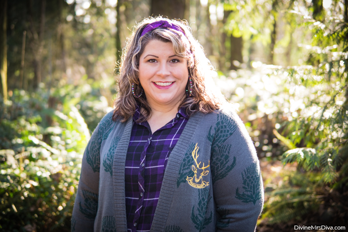 Her Universe Outlander Collection: Thistle Flyaway Cardigan - DivineMrsDiva.com #HerUniverse #Outlander #OutlanderFashion #plussizefashion #psootd #ootd #plussizeclothing #outfit #style #40style #40plusblogger #psblogger #plussize #styleblogger #plussizeblogger