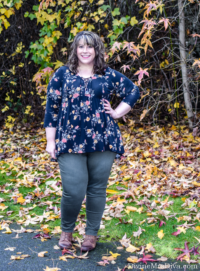 In today's post, Hailey reviews a Torrid babydoll tee and Super Stretch denim from Lane Bryant, paired for a fun MST3K Live show! - DivineMrsDiva.com #Torrid #TorridInsider #LaneBryant #LaneStyle #Comfortiva #AvaandViv #TargetStyle #Outlander #MST3k #MST3kLive #psblogger #plussizeblogger #styleblogger #plussizefashion #plussize #psootd #ootd #plussizeclothing #outfit #style #plussizecasual #fall #fallstyle