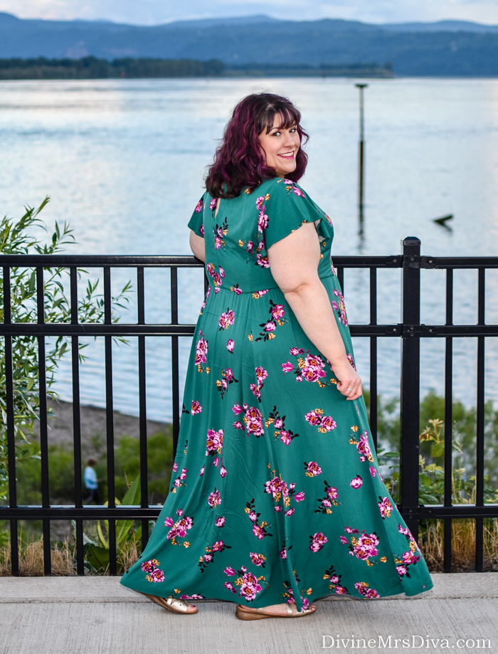 In today's post, Hailey reviews the gorgeous Torrid Green Floral Challis Maxi Dress she bought for her birthday this year. - DivineMrsDiva.com #Torrid #TorridInsider #psblogger #plussizeblogger #styleblogger #plussizefashion #plussize #psootd #ootd #plussizeclothing #outfit #style #plussizecasual #spring #summer #springstyle #summerstyle #naturalizer #ebayfinds #maxidress