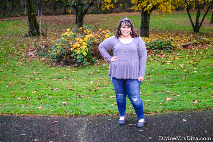 Hailey's reviewing this casual peplum henley from Torrid & her favorite LOFT jeans! – DivineMrsDiva.com #psblogger #plussizeblogger #styleblogger #plussizefashion #plussize #psootd #ootd #plussizeclothing #outfit #style #torrid #Torridinsider #Feelthefit #LOFT #LOVELOFT #plussizecasual