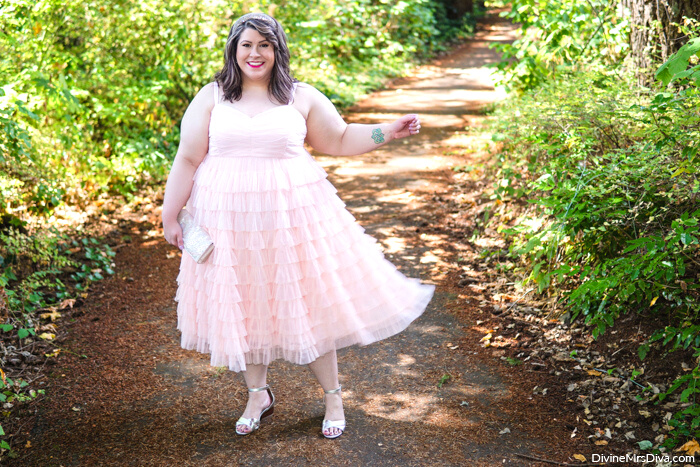 A 40th birthday dress without a party. Hailey reviews this tulle confection! DivineMrsDiva.com #psblogger #plussize #styleblogger #plussizeblogger #plussizefashion #psootd #ootd #plussizeclothing #outfit #style #torrid #Torridinsider #Feelthefit  #40style #40plusblogger #partydress