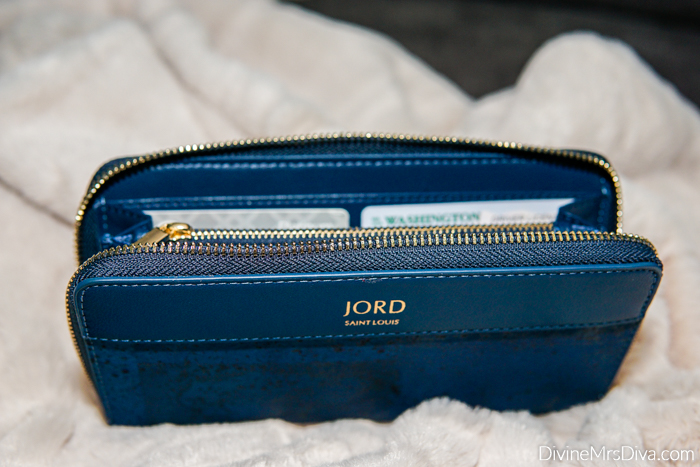 Introducing and reviewing Jord's new line of Superhide sustainable, vegan leather wallets and handbags. - DivineMrsDiva.com #Jordpartner #Jordhandbags #veganleather #wallet  #sustainablefashion