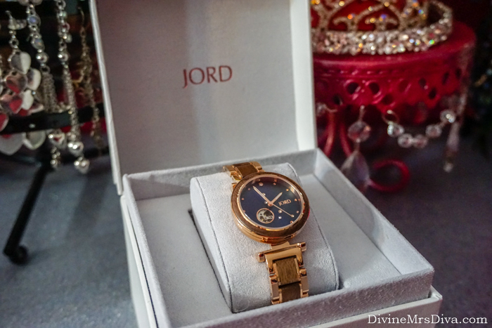 In today's post, I've partnered with Jord Watches to review the gorgeous Cora Polaris design and bring you a GIVEAWAY with the chance to win $100 towards your favorite Jord watch design!!! – DivineMrsDiva.com  #Jord #JordWatches #JordWatch #WoodWatch #giveaway