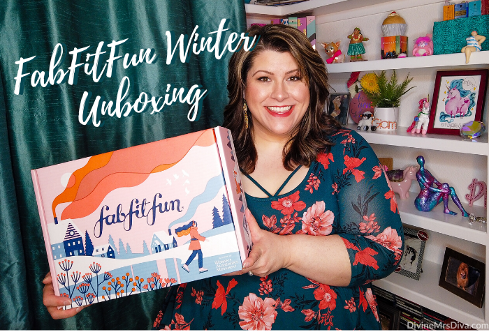 In today's post, Hailey unboxes her winter FabFitFun box! - DivineMrsDiva.com #FabFitFun #unboxing #subscriptionbox #beauty #makeup #haircare #skincare #beautybag #beautybox